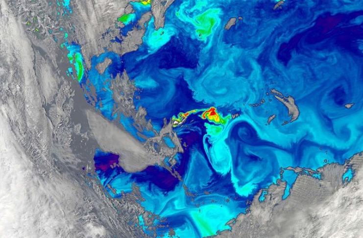 Por que o oceano tem cores diferentes em lugares diferentes?