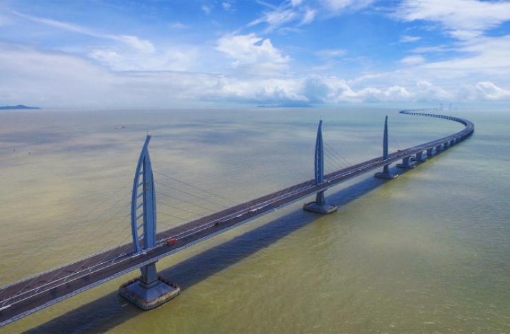 Conheça a ponte de travessia marítima mais longa do mundo