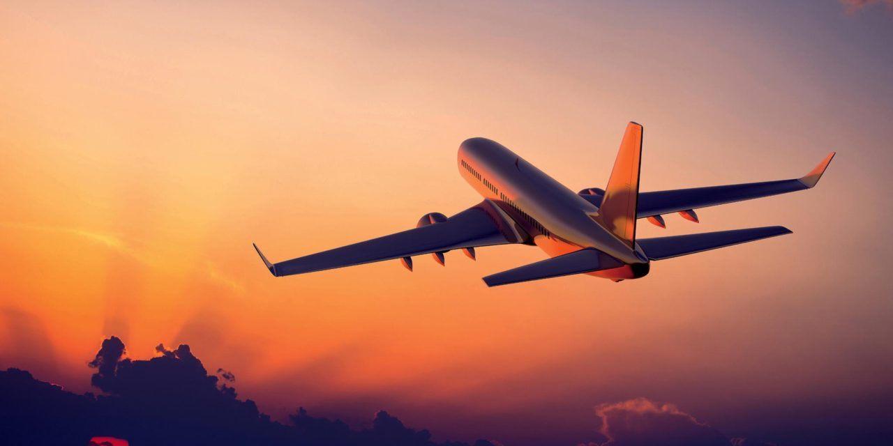 Aprenda como dividir passagens aéreas no boleto com o Koin