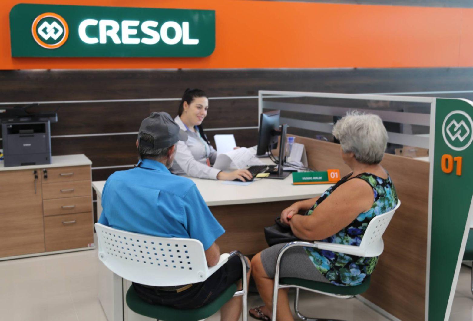 Saiba como ter um cartão crédito e débito Cresol