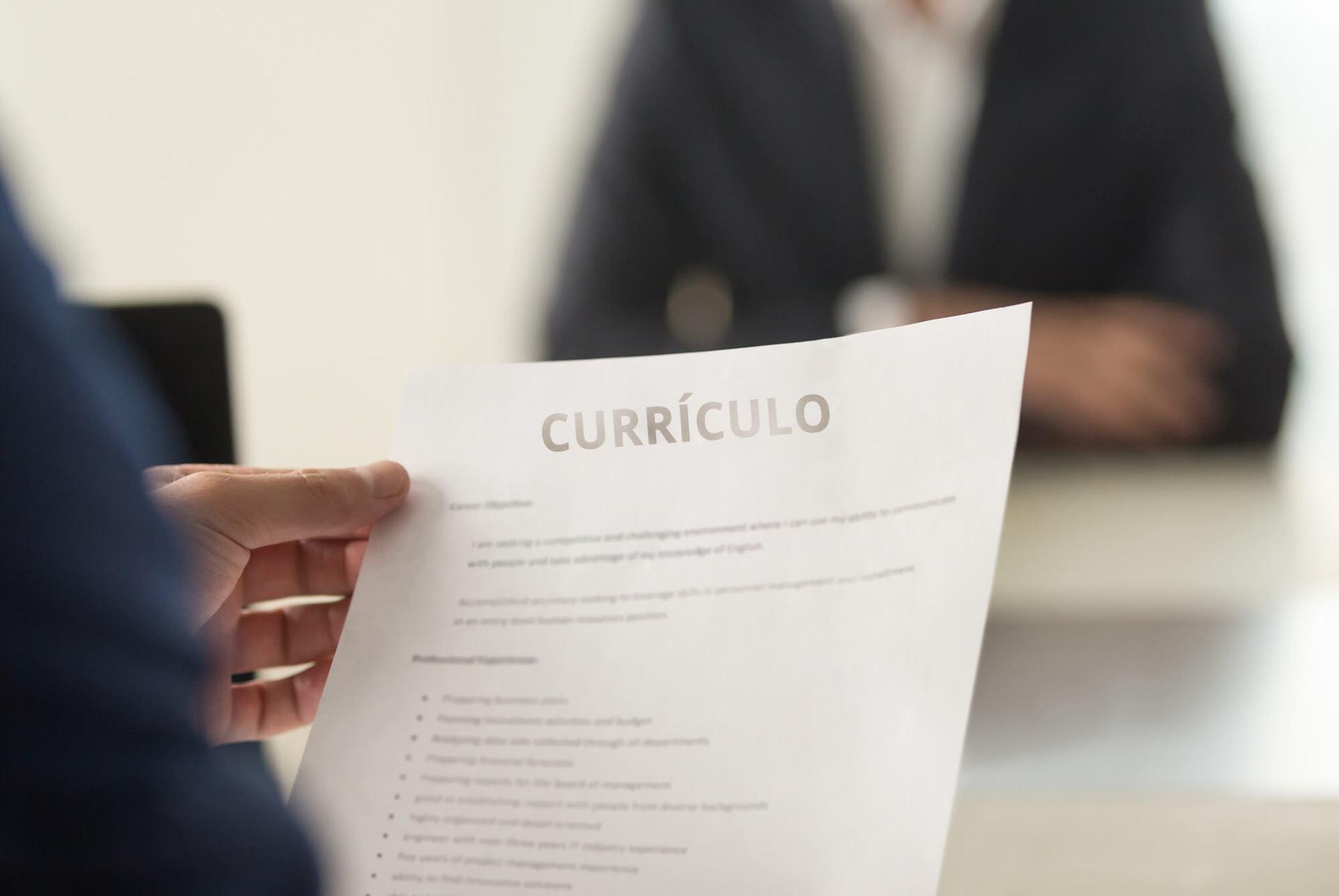 Itens que não podem faltar na hora de fazer seu currículo